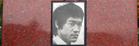 Bruce Lee Grave Site in Seattle | Lake View Cemetery