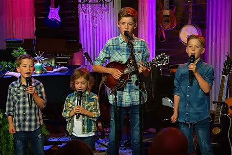 Josh Turner's Four Sons Sing 'The River (Of Happiness)' Live