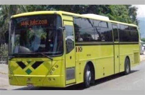JUTC driver disarms robber with help from passengers in
