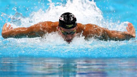 Caeleb Dressel dressed for success with blistering swim in