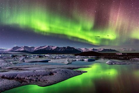 A Northern Lights Cruise Is the Best Way to See the